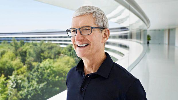 Ở tuổi 60, CEO Tim Cook úp mở về việc lãnh đạo Apple trong 10 năm tới - Ảnh 2.