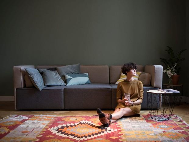 6 tác nhân gây ra stress trong phòng khách, người ngoài nhìn vào cũng phải ức chế - Ảnh 2.