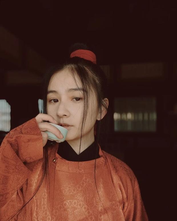 Netizen sôi sục với nhan sắc mẹ đẻ Trường Ca Hành: Cosplay nhân vật cực xịn, fan mời đóng nữ chính gấp luôn! - Ảnh 8.