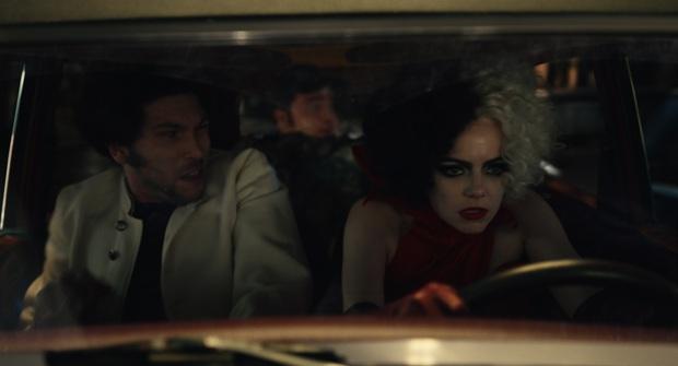 Mỹ nữ La La Land lột xác thành trộm chó trong Cruella, cầm gậy đánh trai không nể một ai - Ảnh 6.