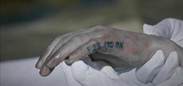 5 phân cảnh kinh dị 19+ ở bom tấn Mouse của Lee Seung Gi: Sởn tóc gáy với ca giết người để thí nghiệm não - Ảnh 12.