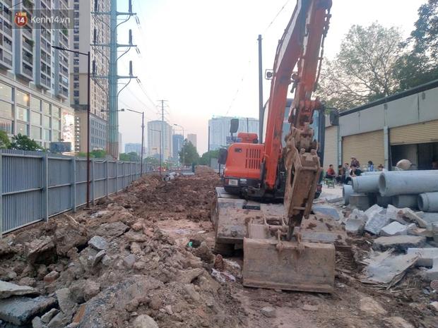 Sự thật đoạn clip đang đào đường ở Hà Nội thì phát hiện một người dưới lòng đất - Ảnh 3.