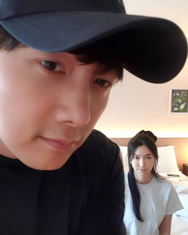 Xả vai ác nữ Penthouse, Kim So Yeon về lại bên chồng real, gây choáng với mặt mộc khác xa trên phim - Ảnh 2.