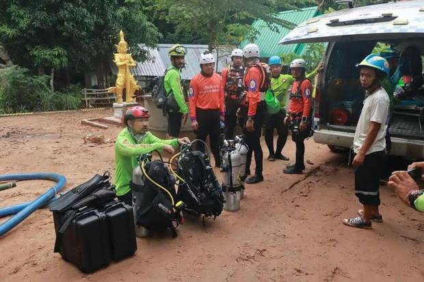 Trên đường hành hương, nhà sư Thái Lan bị mắc kẹt 3 ngày trong động lớn ngập nước và cuộc giải cứu ngoạn mục của 17 thợ lặn - Ảnh 2.