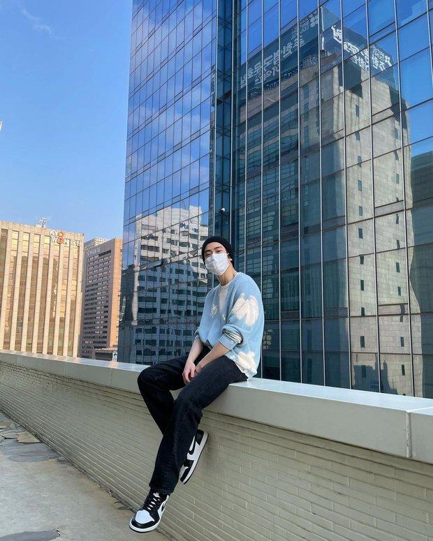 Jaehyun (NCT) khoe ảnh diện Jordan nhưng vì 1 chi tiết này mà netizen phải khóc thét - Ảnh 1.