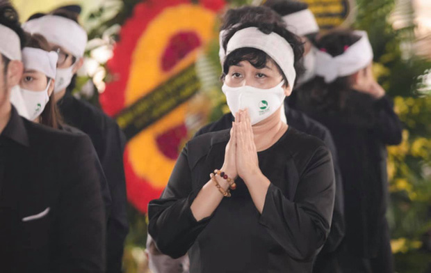 Chồng mất chưa đầy 49 ngày, NSND Minh Hằng phải tiếp tục chịu tang bố, có dòng chia sẻ khiến ai nấy đều quặn lòng - Ảnh 4.