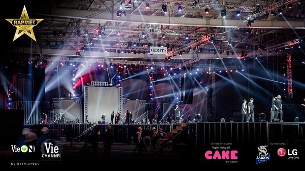 Live Concert Rap Việt chốt ngày comeback 10/4, fan săn vé trước giờ G - Ảnh 1.