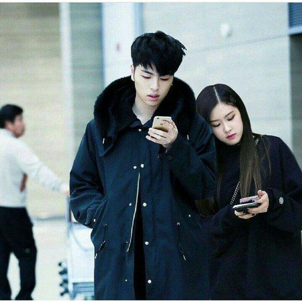 Bị YG ngăn cấm nhưng giữa BLACKPINK và iKON vẫn tồn tại cặp đôi ảnh ghép Rosé và Junhoe có tương tác cực đáng yêu! - Ảnh 9.