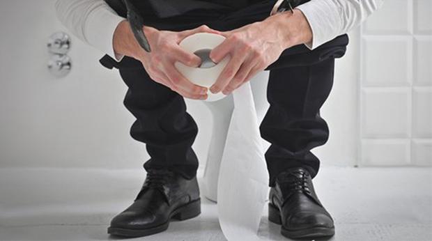 Người có tuổi thọ ngắn thường gặp phải 5 vấn đề khi đi đại tiện, mong rằng bạn không mắc phải dù chỉ là 1 điều - Ảnh 1.