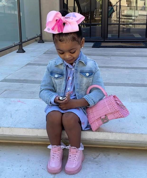 Choáng với thói quen shopping của Cardi B: Chi gần 1 tỷ/lần tậu 7 túi hiệu cho con gái 2 tuổi, chỉ vì muốn con... tham vọng hơn - Ảnh 7.