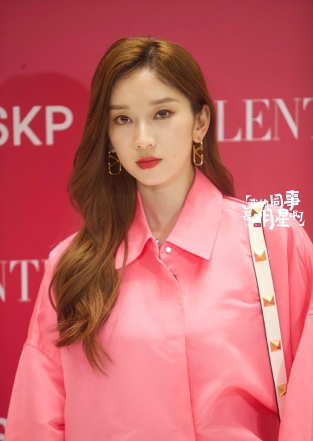 Sự kiện hot tối nay: Trương Bá Chi gây sốc visual giữa scandal bầu bí, đè bẹp cả học trò cưng của Lisa (BLACKPINK) - Ảnh 6.