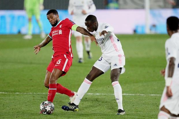 Vắng cả cặp trung vệ số 1, Real Madrid vẫn đủ sức đè bẹp Liverpool - Ảnh 4.