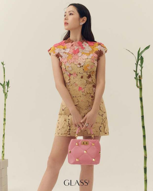 Son Ye Jin đẳng cấp như nữ thần mùa xuân, ảnh hậu trường còn xuất sắc hơn cả ảnh tạp chí - Ảnh 5.
