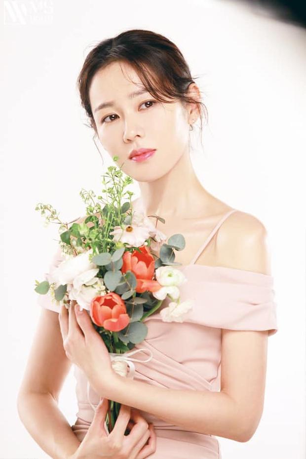 Son Ye Jin đẳng cấp như nữ thần mùa xuân, ảnh hậu trường còn xuất sắc hơn cả ảnh tạp chí - Ảnh 8.