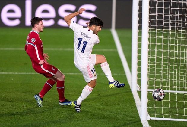 Vắng cả cặp trung vệ số 1, Real Madrid vẫn đủ sức đè bẹp Liverpool - Ảnh 8.