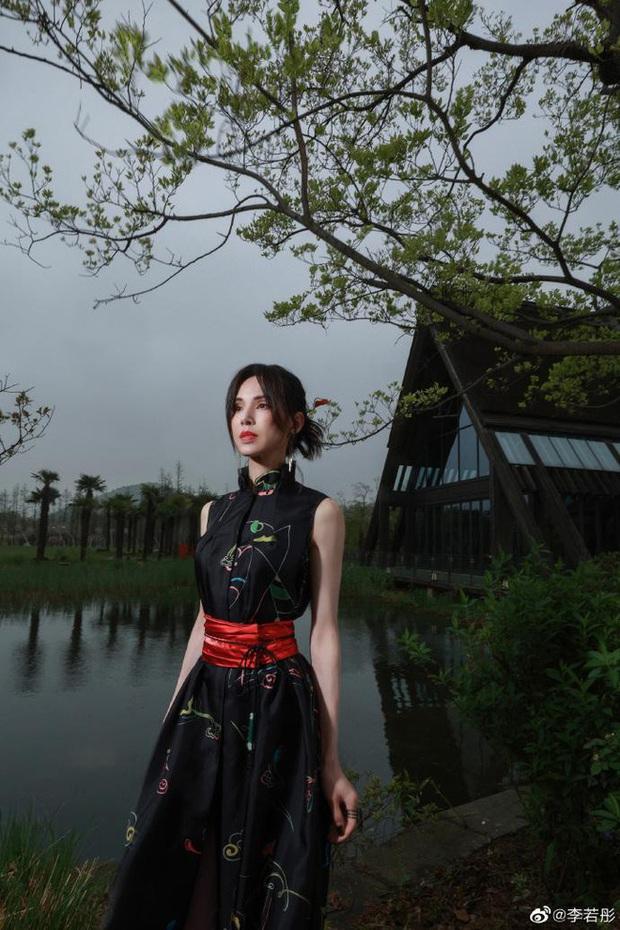 Lý Nhược Đồng diện đồ Lolita, sắc vóc cực phẩm tuổi 55 gây bão - Ảnh 9.