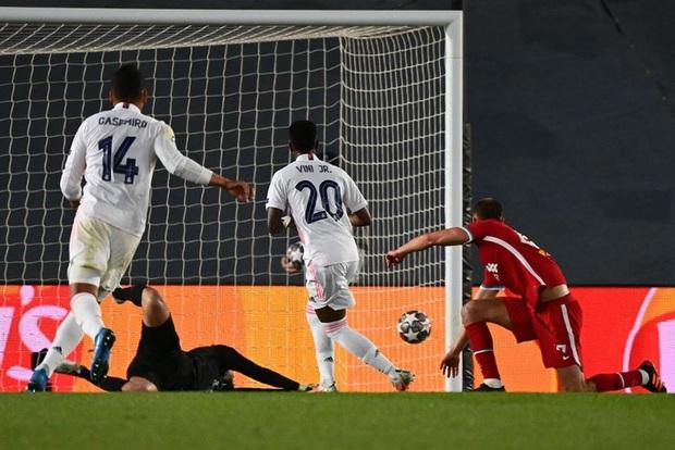 Vắng cả cặp trung vệ số 1, Real Madrid vẫn đủ sức đè bẹp Liverpool - Ảnh 10.