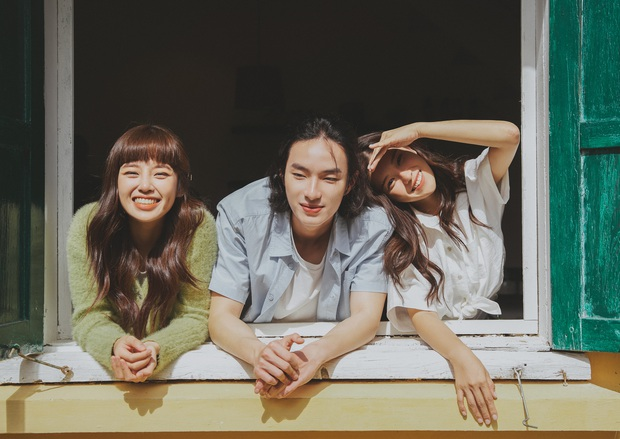 Hoàng Yến Chibi comeback với sản phẩm mới nhưng motif quá cũ, Tlinh góp đoạn rap cứu cả bài hát thì mất hút trong MV - Ảnh 3.