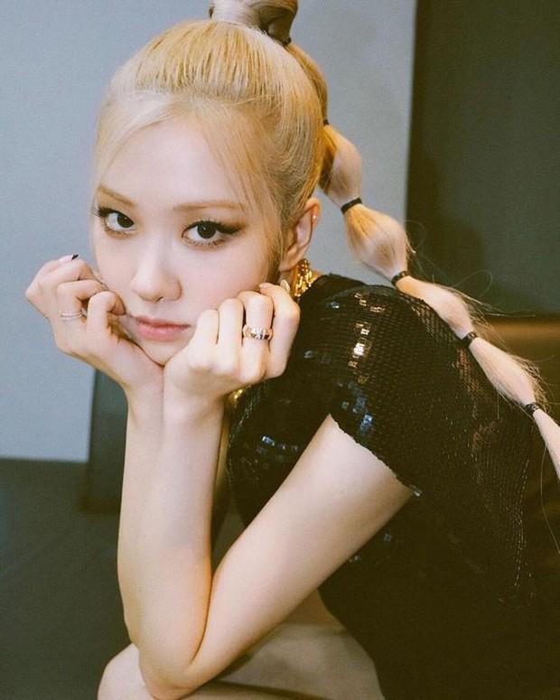 Cùng debut solo, Rosé (BLACKPINK) lập thành tích cao chót vót còn Wendy (Red Velvet) chơi cầu trượt đáng báo động trên BXH - Ảnh 9.