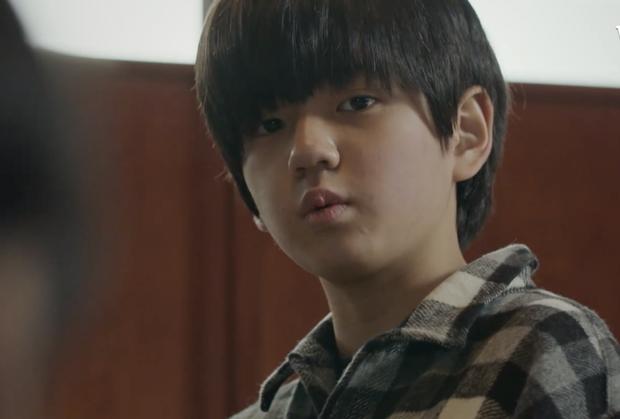 5 phân cảnh kinh dị 19+ ở bom tấn Mouse của Lee Seung Gi: Sởn tóc gáy với ca giết người để thí nghiệm não - Ảnh 5.