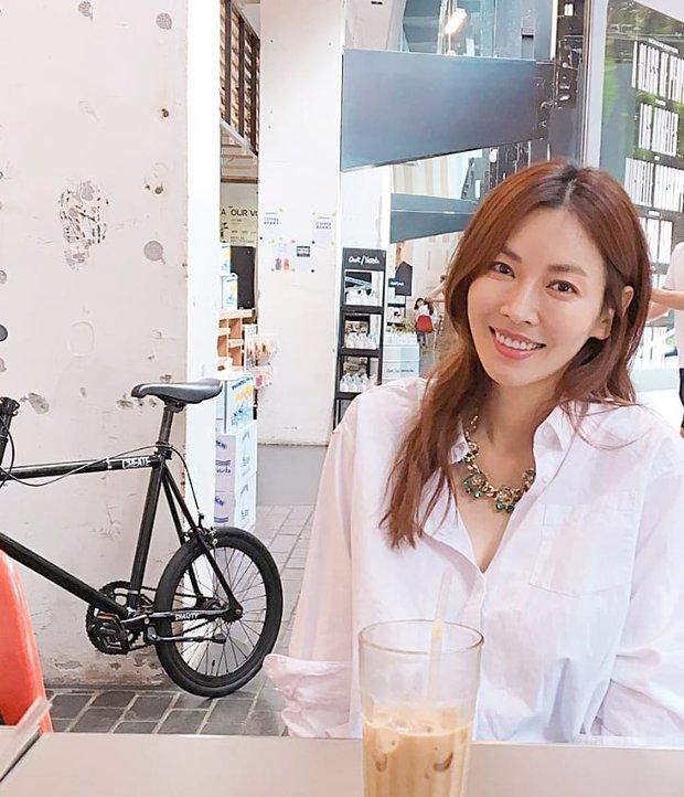 Xả vai ác nữ Penthouse, Kim So Yeon về lại bên chồng real, gây choáng với mặt mộc khác xa trên phim - Ảnh 6.