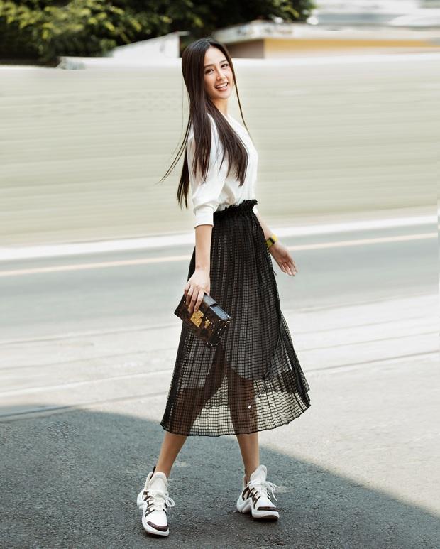 Mai Phương Thuý khoe visual trẻ trung, xinh đẹp khi đi ghi hình Ký Ức Vui Vẻ - Ảnh 2.