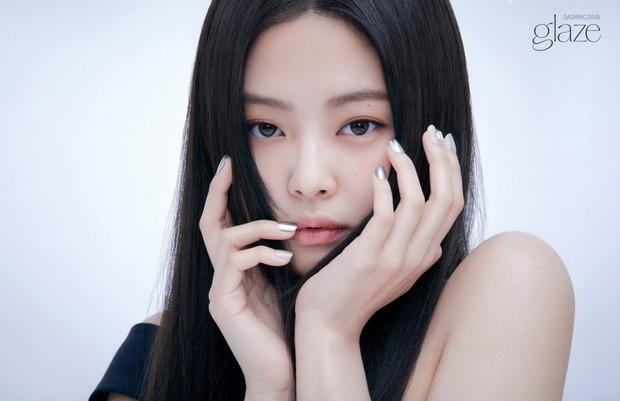 Đại chiến idol Jennie - Suzy: Cùng quảng bá một hãng nail, mỹ nhân BLACKPINK có làm lại tình đầu quốc dân? - Ảnh 1.