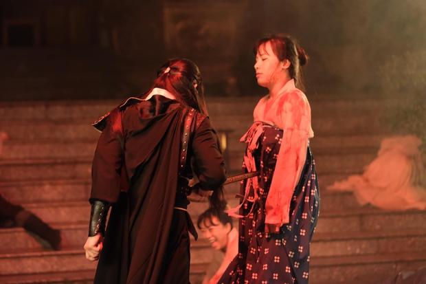 Nguyễn Trần Trung Quân tung ảnh hậu trường cười mệt: Khi ekip nói làm zombie nhưng bạn lại muốn làm diễn viên hài - Ảnh 4.