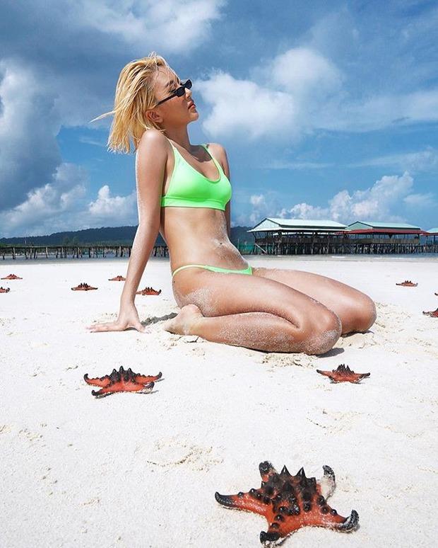 Quỳnh Anh Shyn - An Vy (FAPTV) bị đào lại loạt ảnh bikini với sao biển giữa lúc con vật này đang chết khô hàng loạt ở Phú Quốc - Ảnh 5.