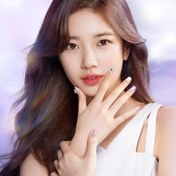 Đại chiến idol Jennie - Suzy: Cùng quảng bá một hãng nail, mỹ nhân BLACKPINK có làm lại tình đầu quốc dân? - Ảnh 2.