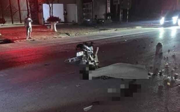 Xe máy va chạm giao thông trên Quốc lộ 6, 4 người thương vong - Ảnh 1.