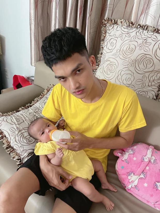 Mạc Văn Khoa khoe ảnh gia đình hạnh phúc, netizen xỉu up xỉu down với gương mặt tấu hài của cô con gái - Ảnh 6.