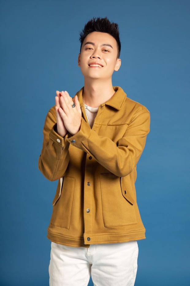 Chủ nhân ca khúc vượt mặt Binz - Đen Vâu lăm le #1 trending: Hiện tượng YouTube, từng lọt top ca khúc hot cùng Sơn Tùng và Jack - Ảnh 8.