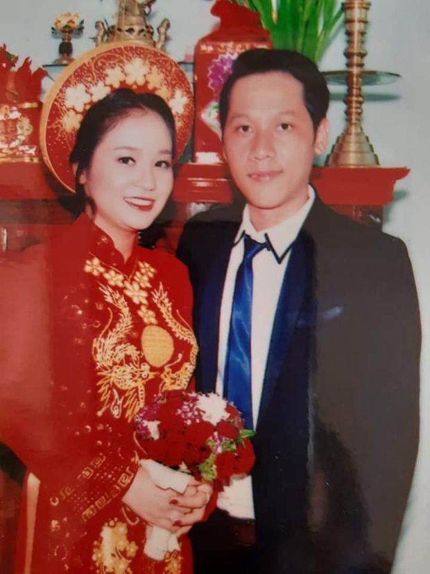 Loạt ảnh cưới của Thầy giáo Ba bất ngờ được lan truyền, cộng đồng ngỡ ngàng với nhan sắc thời con gái của cô Panda - Ảnh 1.