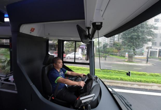 Ảnh: VinBus chính thức khai trương, đưa vào vận hành tuyến xe buýt điện thông minh đầu tiên của Việt Nam - Ảnh 13.
