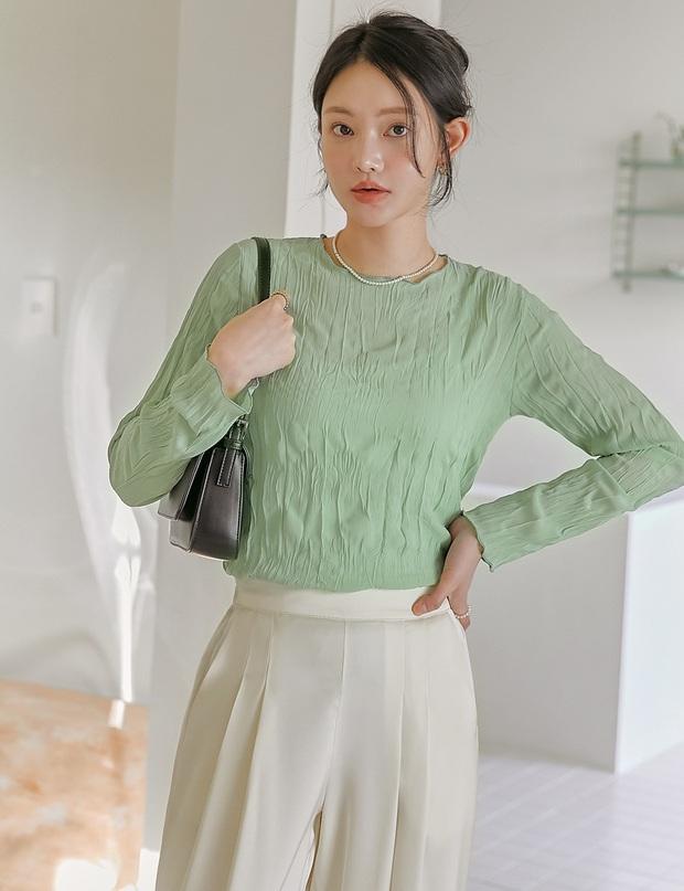 4 công thức nhắm mắt cũng mặc đẹp mà hội gái Hàn chăm áp dụng nhất thời điểm này - Ảnh 3.