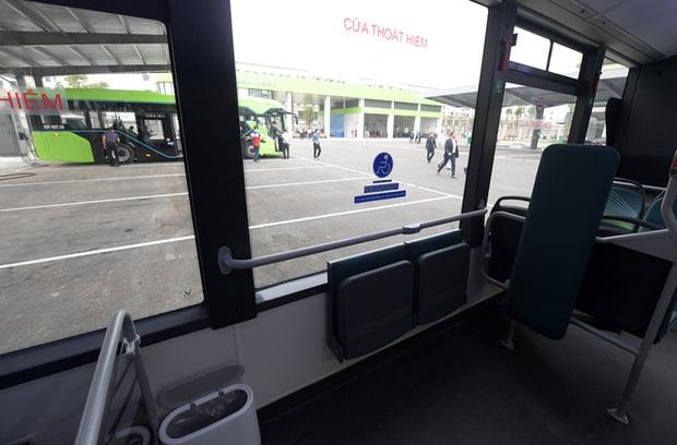 Ảnh: VinBus chính thức khai trương, đưa vào vận hành tuyến xe buýt điện thông minh đầu tiên của Việt Nam - Ảnh 4.