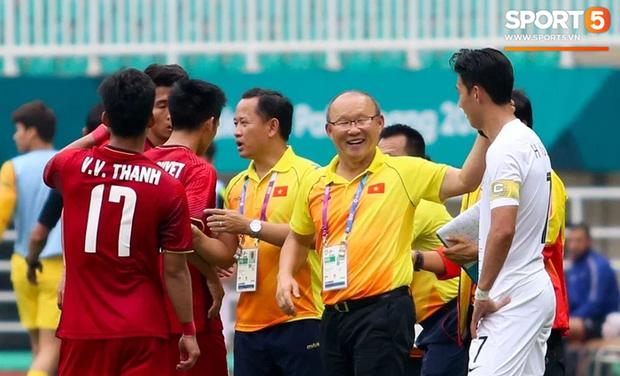 Công Phượng nghe lén HLV Huỳnh Đức, tái hiện khoảnh khắc giữa Son Heung-min và thầy Park - Ảnh 4.