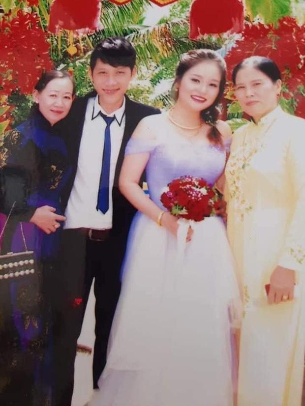 Loạt ảnh cưới của Thầy giáo Ba bất ngờ được lan truyền, cộng đồng ngỡ ngàng với nhan sắc thời con gái của cô Panda - Ảnh 8.