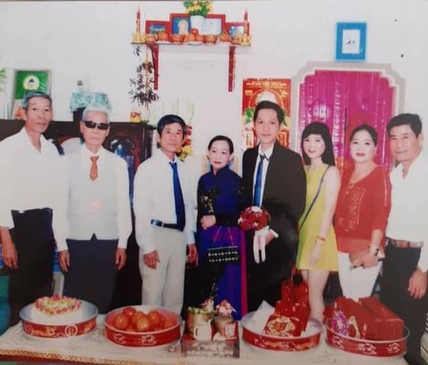 Loạt ảnh cưới của Thầy giáo Ba bất ngờ được lan truyền, cộng đồng ngỡ ngàng với nhan sắc thời con gái của cô Panda - Ảnh 9.