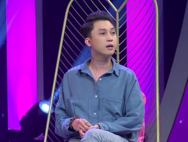 Chàng nhà văn thẳng thừng nhắc chuyện chăn gối tại show tỏ tình khiến Han Sara ngượng chín mặt - Ảnh 1.