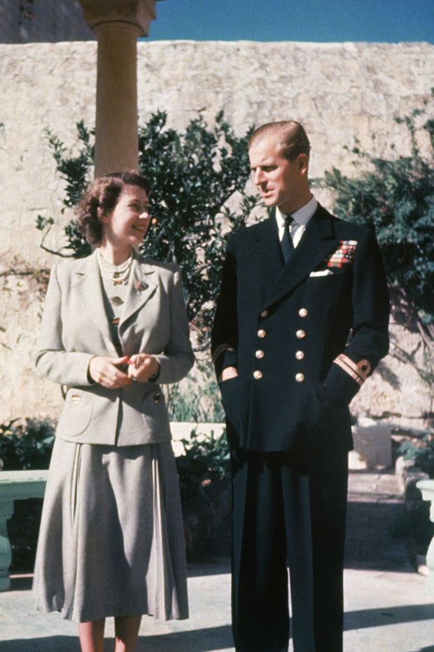 Nhìn lại những khoảnh khắc đẹp nhất của Hoàng thân Philip và Nữ hoàng Anh: Chuyện tình đôi đũa lệch cùng cuộc hôn nhân bền vững hơn 70 năm - Ảnh 5.
