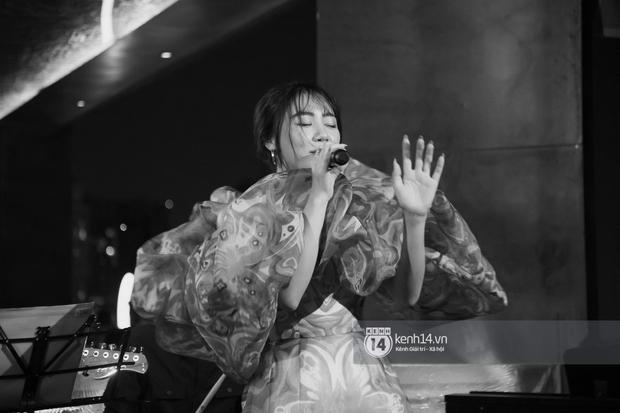 Văn Mai Hương quên lời tai hại khi trình diễn hit của Lady Gaga và cái kết nổi da gà, tự tin bắn rap rất gì và này nọ - Ảnh 1.