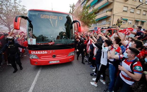 Rashford và Bruno giúp MU đặt một chân vào bán kết Europa League - Ảnh 2.