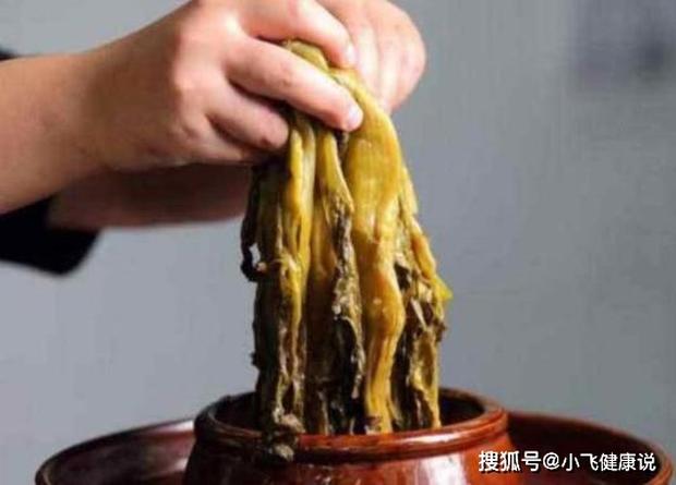Không chỉ pate chay, các loại rau muối tự làm cũng dễ sinh ra chất độc thần kinh botulinum nguy hiểm - Ảnh 1.