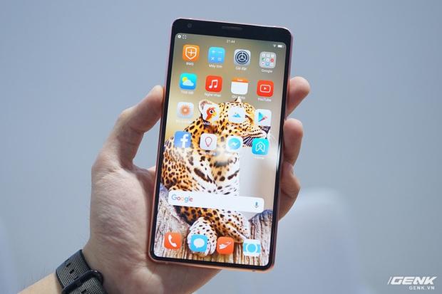 CEO BKAV Nguyễn Tử Quảng: Icon của Bphone đẹp hơn hãng khác, giải quyết được nỗi băn khoăn của giới thiết kế trên toàn thế giới - Ảnh 3.