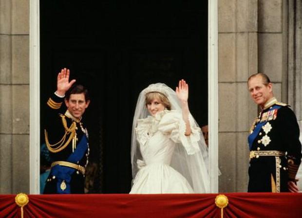 Ngắm nhìn những bức ảnh hiếm có về cuộc đời của cố Hoàng thân Philip, chồng Nữ hoàng Anh Elizabeth II - Ảnh 18.