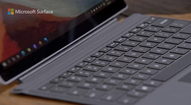 Quảng cáo Surface Pro 7 mới nhất của Microsoft tiếp tục lôi iPad Pro ra làm trò đùa - Ảnh 4.