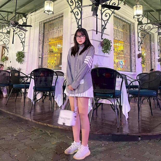 Tưởng rich kid Việt chỉ biết khoe đồ hiệu, ai ngờ cô nàng này mới 14 tuổi đã quản lý cả chục nhân viên, xem thành tích học tập càng xỉu lên xỉu xuống - Ảnh 4.