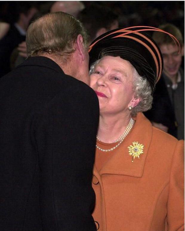 Ngắm nhìn những bức ảnh hiếm có về cuộc đời của cố Hoàng thân Philip, chồng Nữ hoàng Anh Elizabeth II - Ảnh 21.